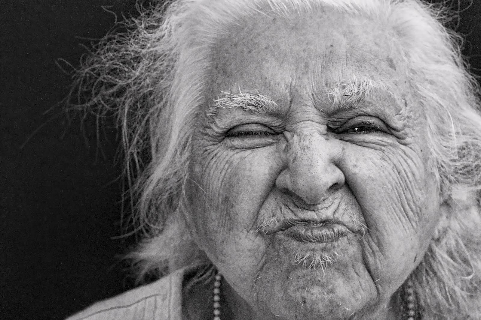 самые лучшие фото старых баб тёлочка веснушками